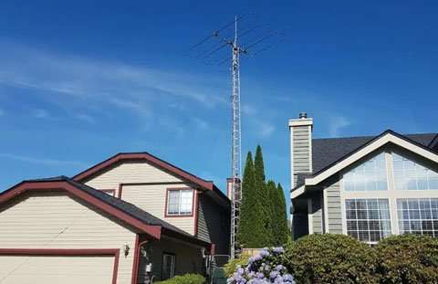 Tall ham radio antenna photo